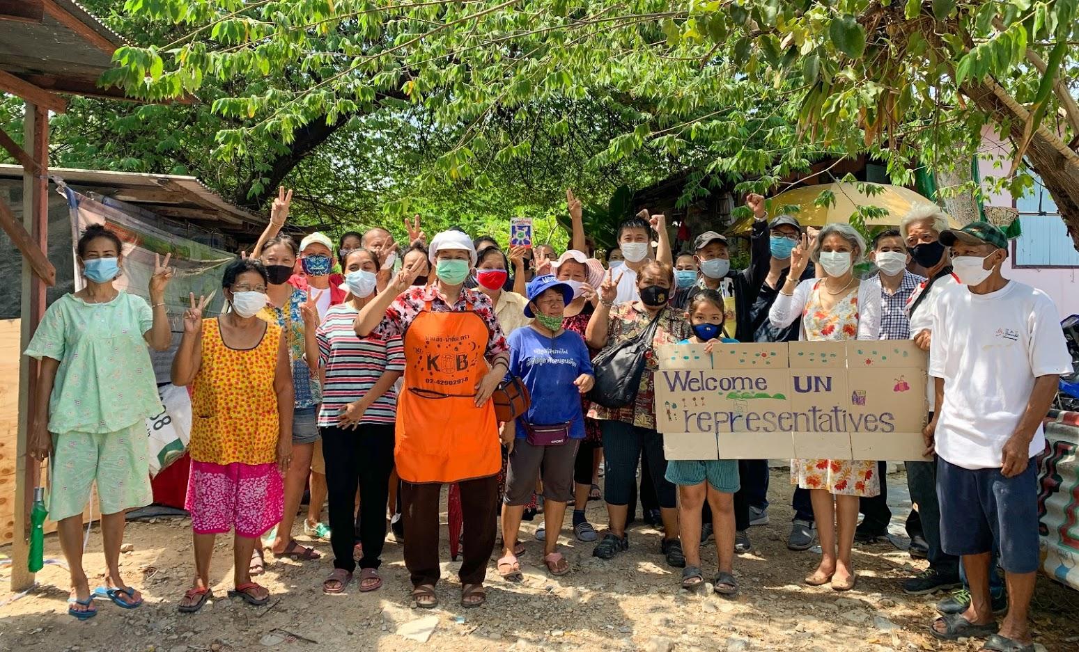 Gita Sabharwal, UN Resident in Coordinator Thailand, visits a community of urban poor in Bangkok Noi, Bangkok